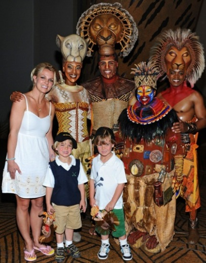 Britney Spears Takes Kids to The Lion King Show